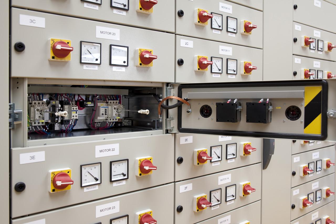 Sigle Componenti Schemi Elettrici : Quadri elettrici e norme di riferimento sicurezza magazine