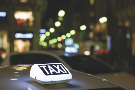 Dispositivi video a bordo taxi, gli esempi di Milano e Roma