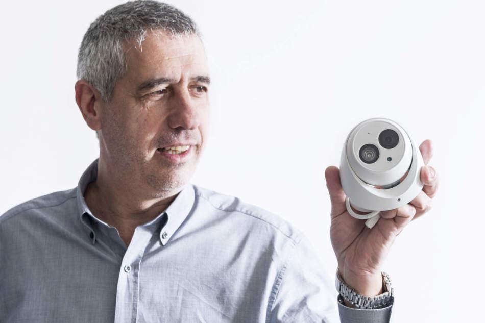 Guida per l'installazione – Configurazione di una telecamera VUpoint in 10 mosse